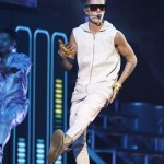 Justin Bieber_11-22-12_Palace003