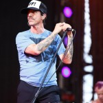 Red Hot Chili Peppers_6-8-13_Or139