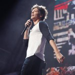 One Direction_7-12-13_Palace057